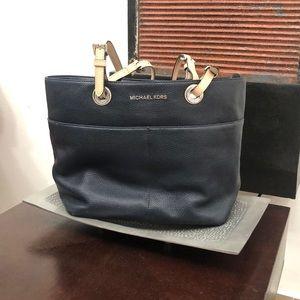 Michael Kors bag! $30! Never used. Brand new!